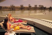 Relax or enjoy the Murray River